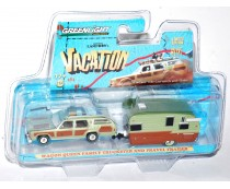 Greenlight Wagon Queen Family Truckster And Trailer